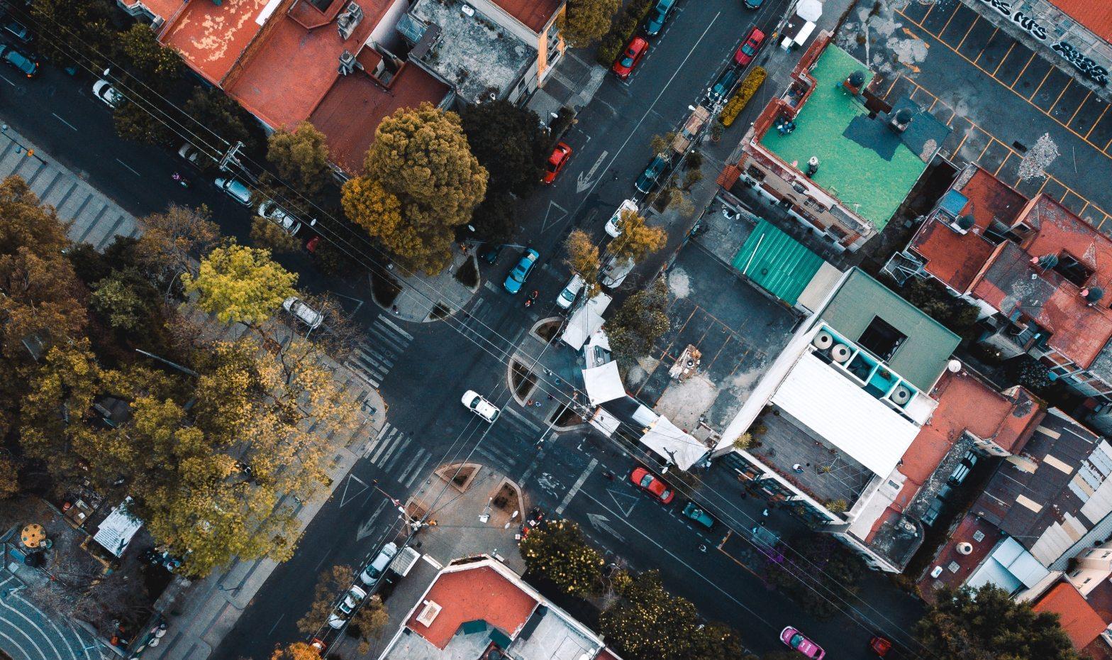 Vista aérea de una intersección de calles en Ciudad de México